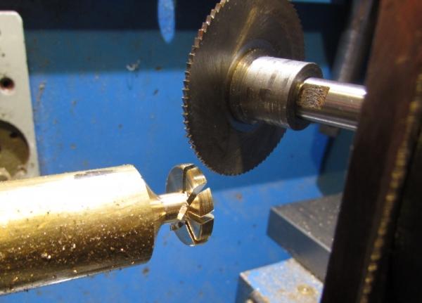 Третья пряжка с титаном. Опыт фрезеровки правильной турбинки.