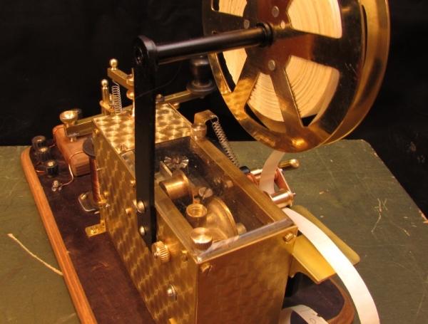 Телеграфный аппарат Морзе, для кино.