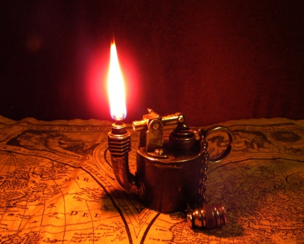 Зажигалка-светильник, долгоиграющая. №135.