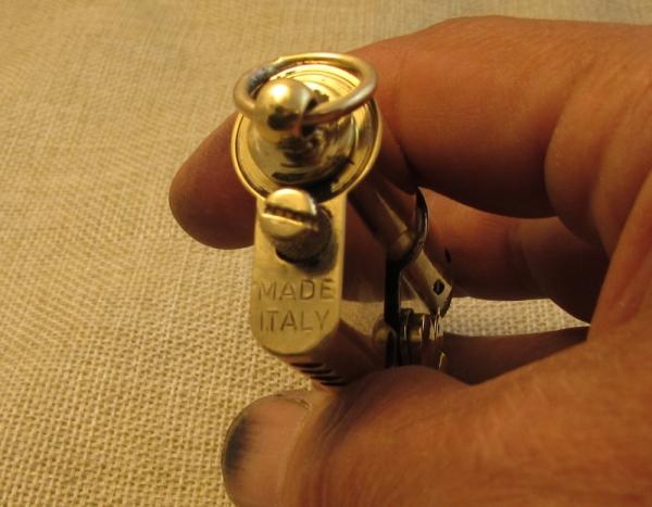 № 138. Зажигалка из личинки.