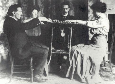 Спиритизм – как неотъемлемая часть Викторианской эпохи. (Фото 3)