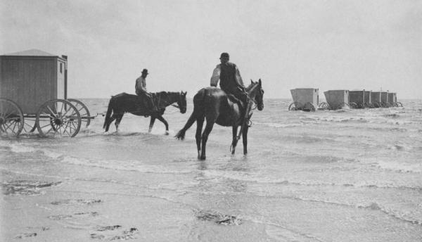 Пляжный этикет Викторианских времен. (Фото 10)