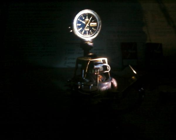 Настольные часы с подсветкой. (Фото 2)