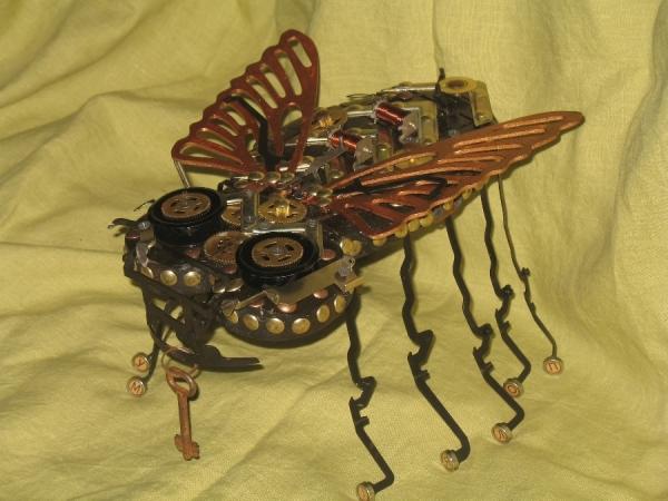 высоко технологическая муха