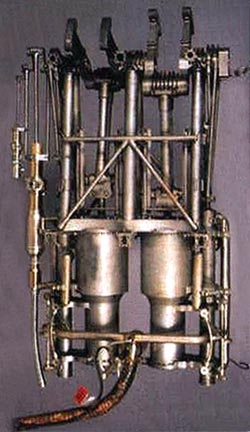 Двигатель Адера