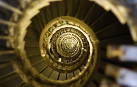 Винтовые лестницы (Фото 15)
