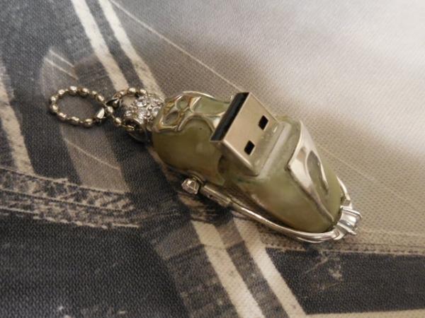 Подвеска Кошка Onix-Ag USB Drive16Gb