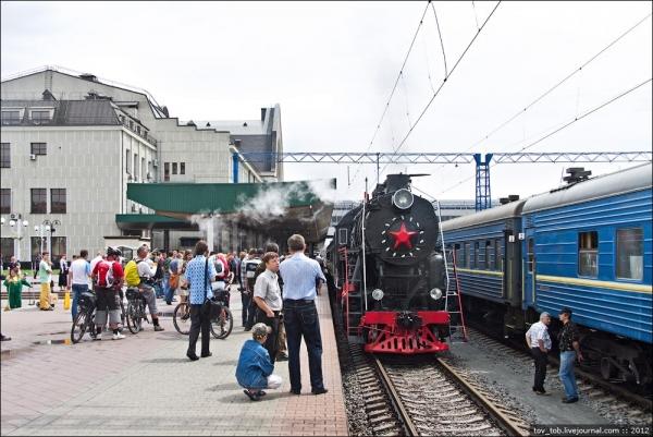 Ретро-паровоз в Киеве. (Фото 2)