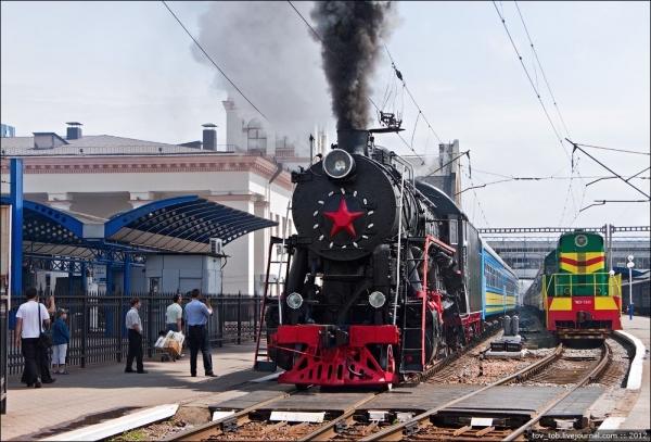 Ретро-паровоз в Киеве. (Фото 5)