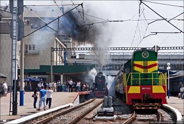 Ретро-паровоз в Киеве. (Фото 4)