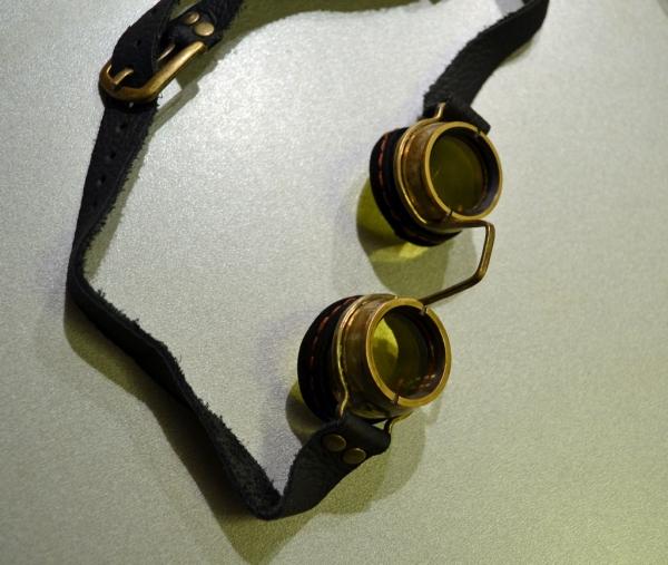Гогглы Крошка-нос (+цилиндр)