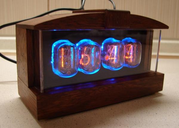 Часы на ИН12