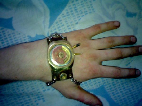Браслет на тыльную сторону руки (…был, а после некоторой доработки получился просто обычный браслет на руку) (Фото 5)