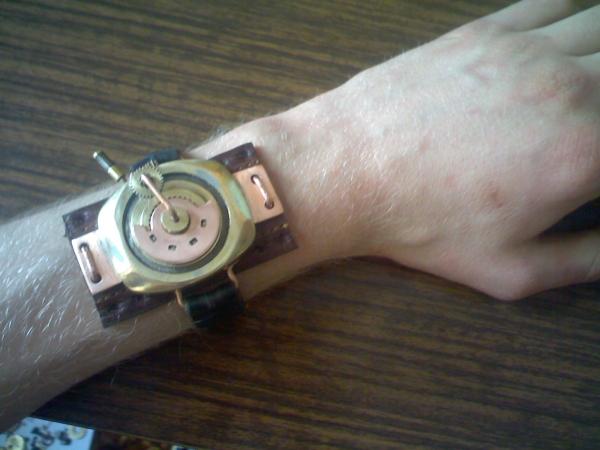Браслет на тыльную сторону руки (…был, а после некоторой доработки получился просто обычный браслет на руку) (Фото 7)