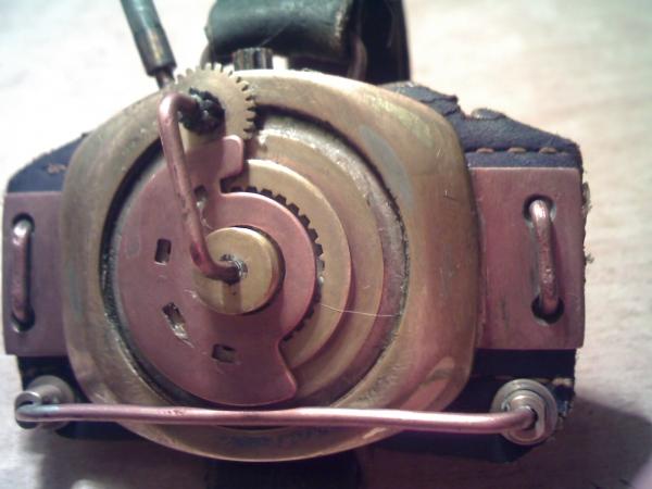 Браслет на тыльную сторону руки (…был, а после некоторой доработки получился просто обычный браслет на руку) (Фото 3)