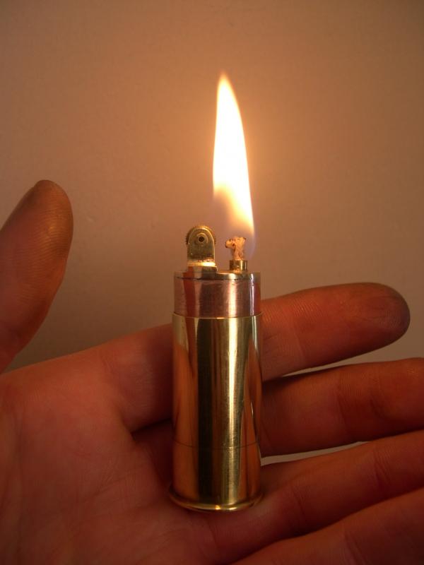 Как самому сделать зажигалку из гильзы