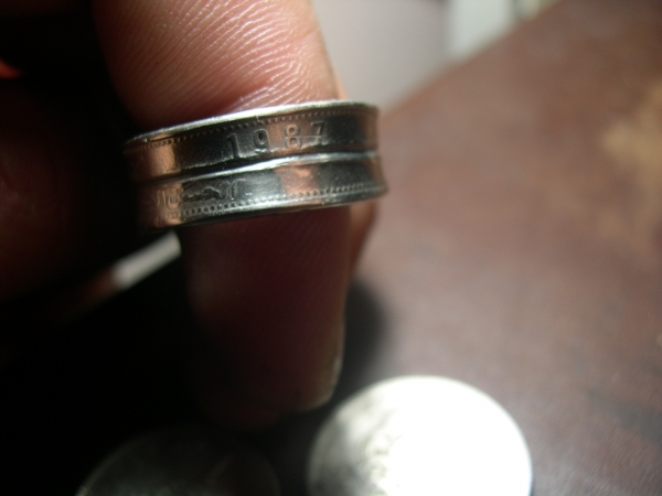 Кольцо из двух монет. (Фото 2)