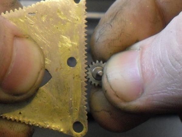 Как изготовить зубчатую рейку (варварский метод) (Фото 11)