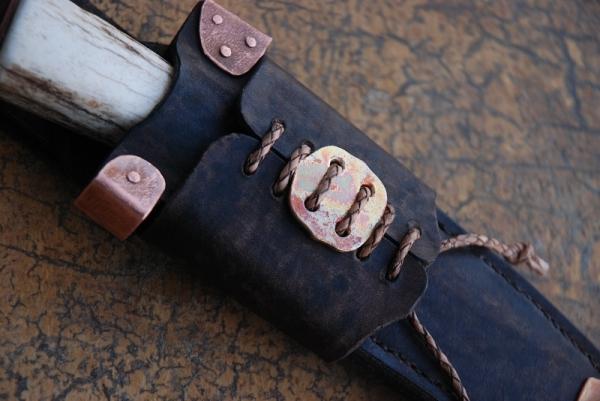 Нож в стиле стимпанк?.. заклепки, медь и кожа имеются. (Фото 7)