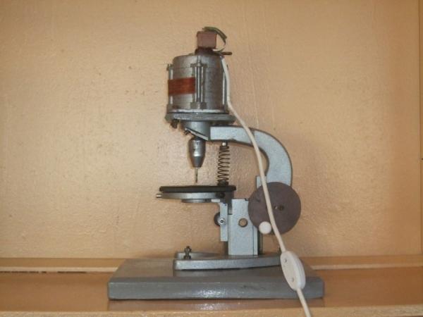 Сверлильный станок на основе микроскопа (Фото 2)