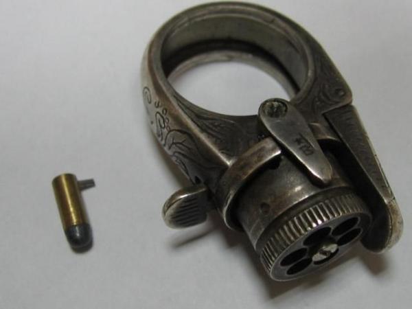 """Викторианская эпоха. Бесствольные револьверы, замаскированные под кольцо-печатку (и прочие комбинированные """"стволы"""") (Фото 2)"""