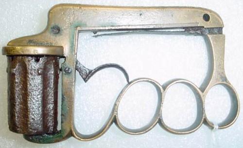 """Викторианская эпоха. Бесствольные револьверы, замаскированные под кольцо-печатку (и прочие комбинированные """"стволы"""") (Фото 38)"""