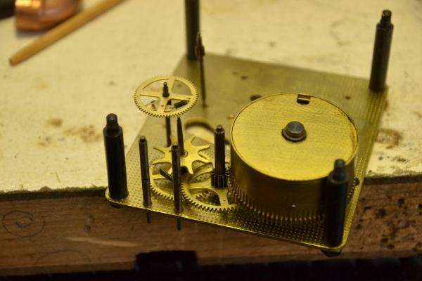 Часы с будильником 25000р (Фото 8)