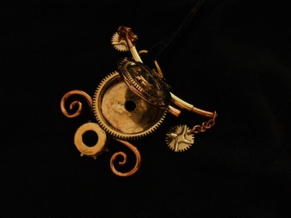 Подвеска-медальон, продается (Фото 2)