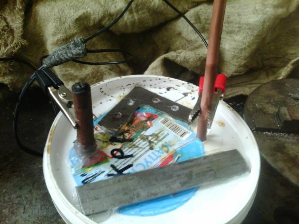 Мои эксперименты с травлением электролизом.