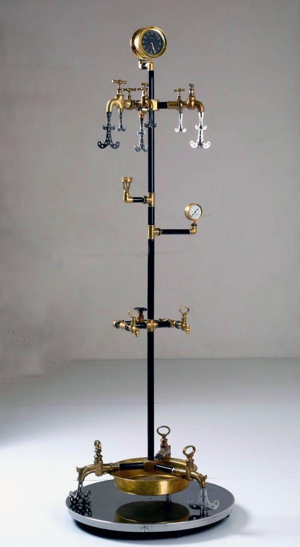 Водопроводно - тазиковая вешалка с часами (Примусная головка приблудилась случайно)