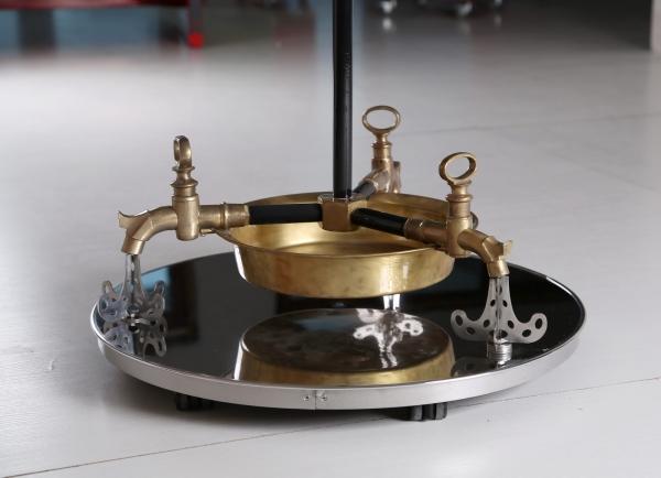 Водопроводно - тазиковая вешалка с часами (Примусная головка приблудилась случайно) (Фото 12)