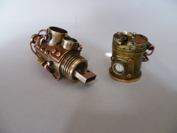 Флешка с механизмом 2 (Фото 8)