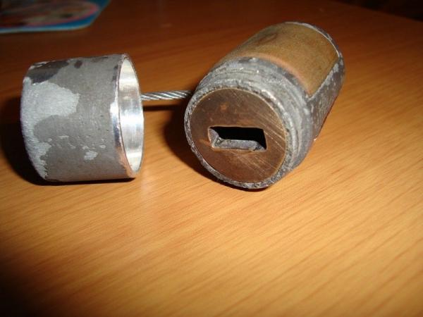 Пост-ядерный корпус для флешки. (Фото 2)