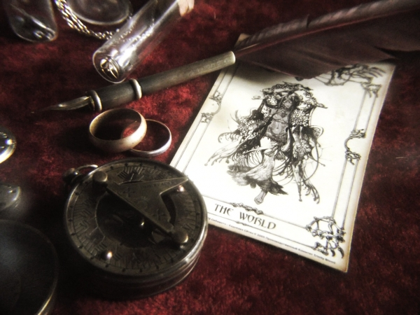 На старом письменном столе (Фото 4)