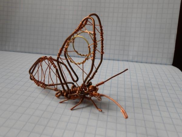 Бабочка из проволоки (Фото 5)