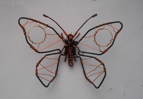 Бабочка из проволоки