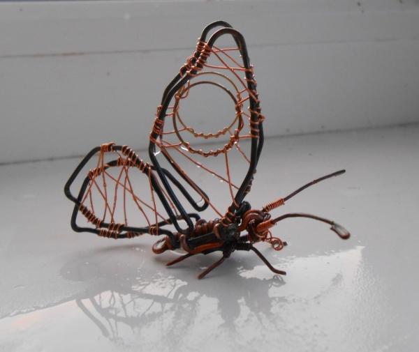 Бабочка из проволоки (Фото 6)