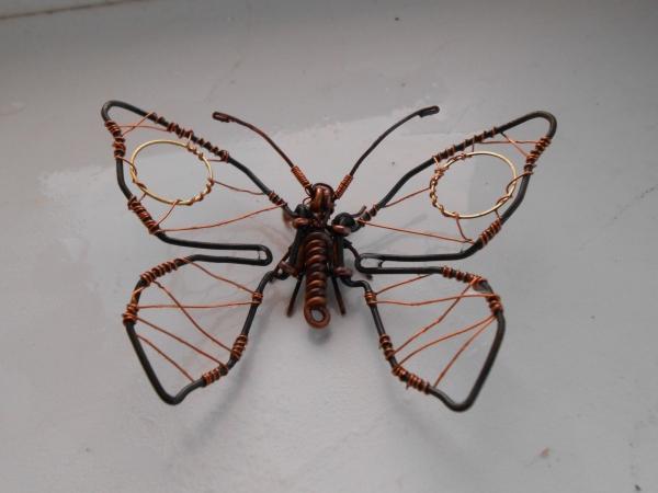 Бабочка из проволоки (Фото 3)