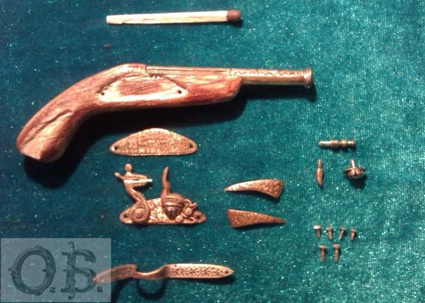 Миниатюрный пистолет с кремневым замком. (Фото 7)