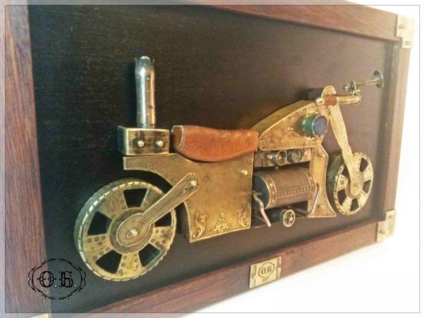 Пароцикл (панно в стиле стимпанк)