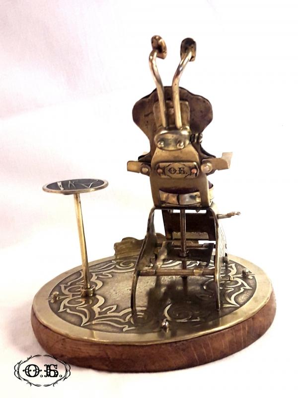 Старинное стоматологическое кресло (миниатюра)
