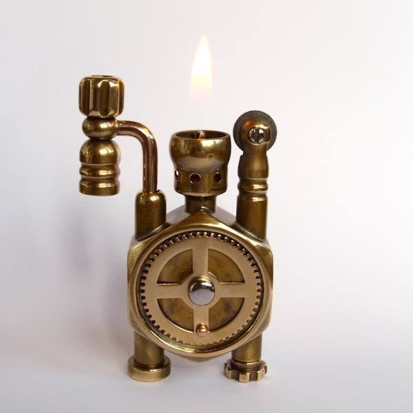 Зажигалка из гайки с шестеренкой