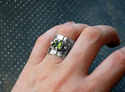 Кольцо из серебра с фианитом (Фото 2)