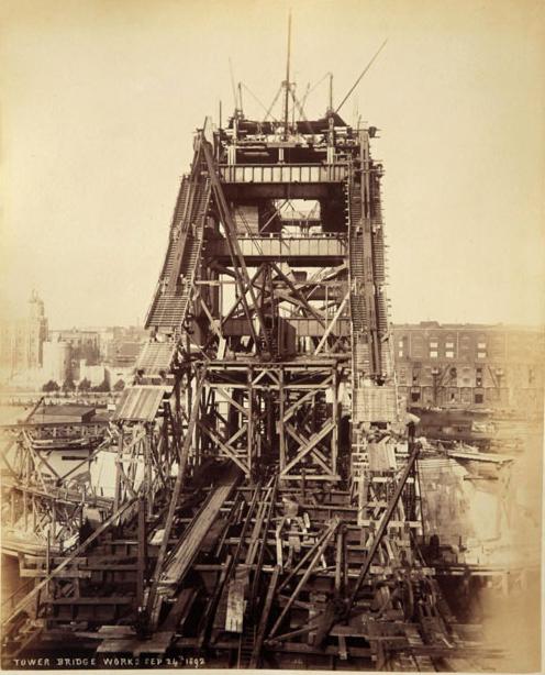 Строительство Тауэрского моста. (Фото 14)