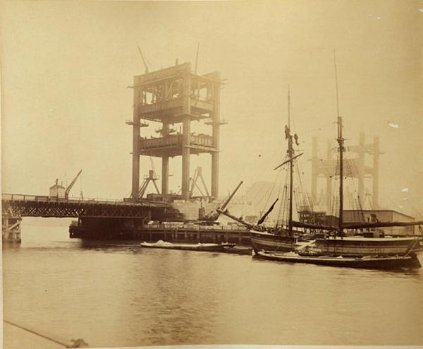 Строительство Тауэрского моста. (Фото 5)