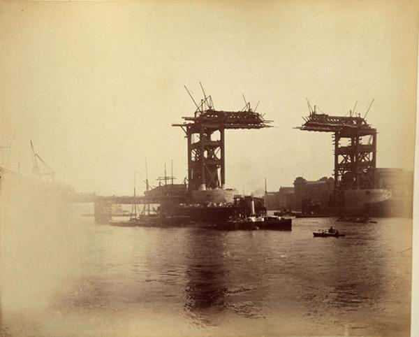 Строительство Тауэрского моста. (Фото 9)