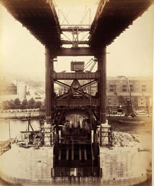 Строительство Тауэрского моста. (Фото 10)