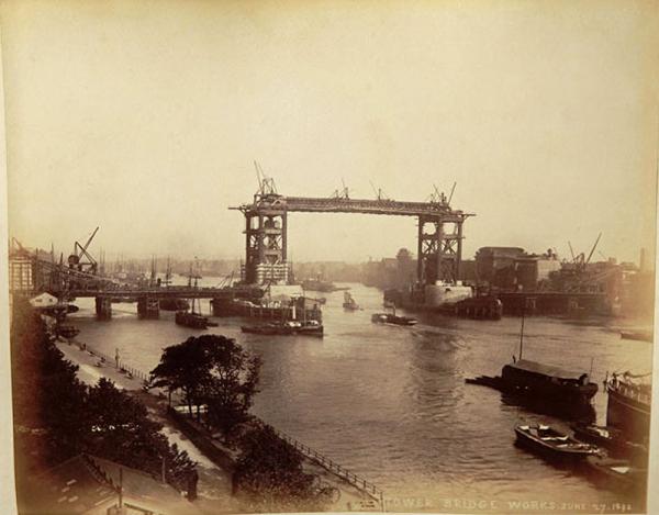 Строительство Тауэрского моста. (Фото 11)