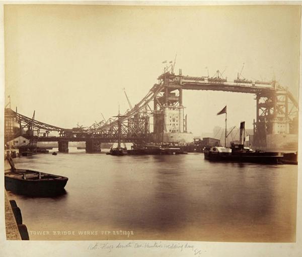 Строительство Тауэрского моста. (Фото 15)