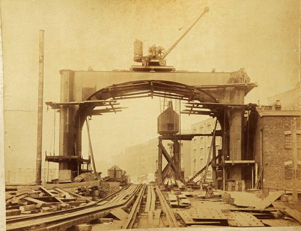Строительство Тауэрского моста. (Фото 2)